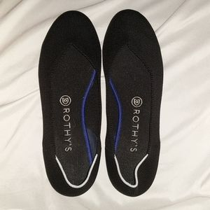 Rothys Round Toe Flats in Black